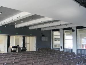 Bauhaus-Dessau_Festsaal